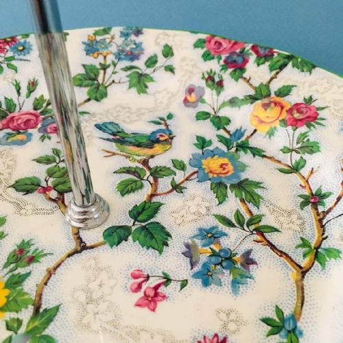 Midwinter Stylecraft - Cake Stand - Lorna Doone Bird Chintz - 50s